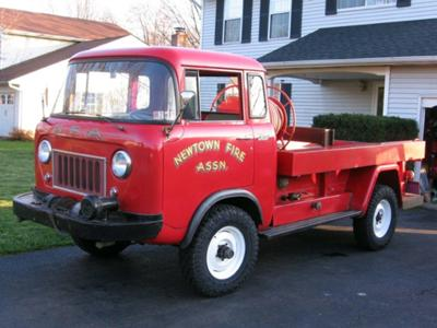 Eric's 1961 Willys FC170 Fire Truck