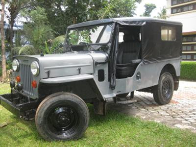 1981 Mahindra 560 D LONG CHIS JEEP