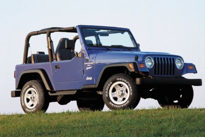 Note the Full Front to Rear Roll-cage of this 1997 Wrangler TJ!