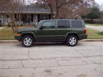 Jeep Wagoneer Cherokee >> Jeep Commander vs. Jeep Grand Cherokee