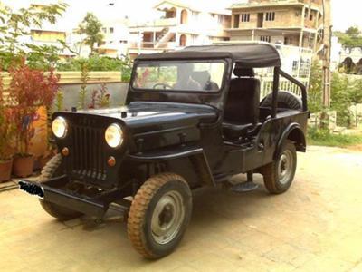 Mahindra Jeep - user during